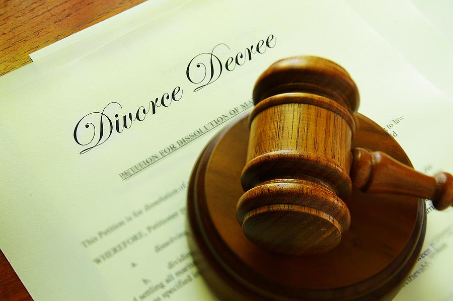Ask an Expert: How Do I Enforce a Divorce Decree When It's Affecting My Finances?
